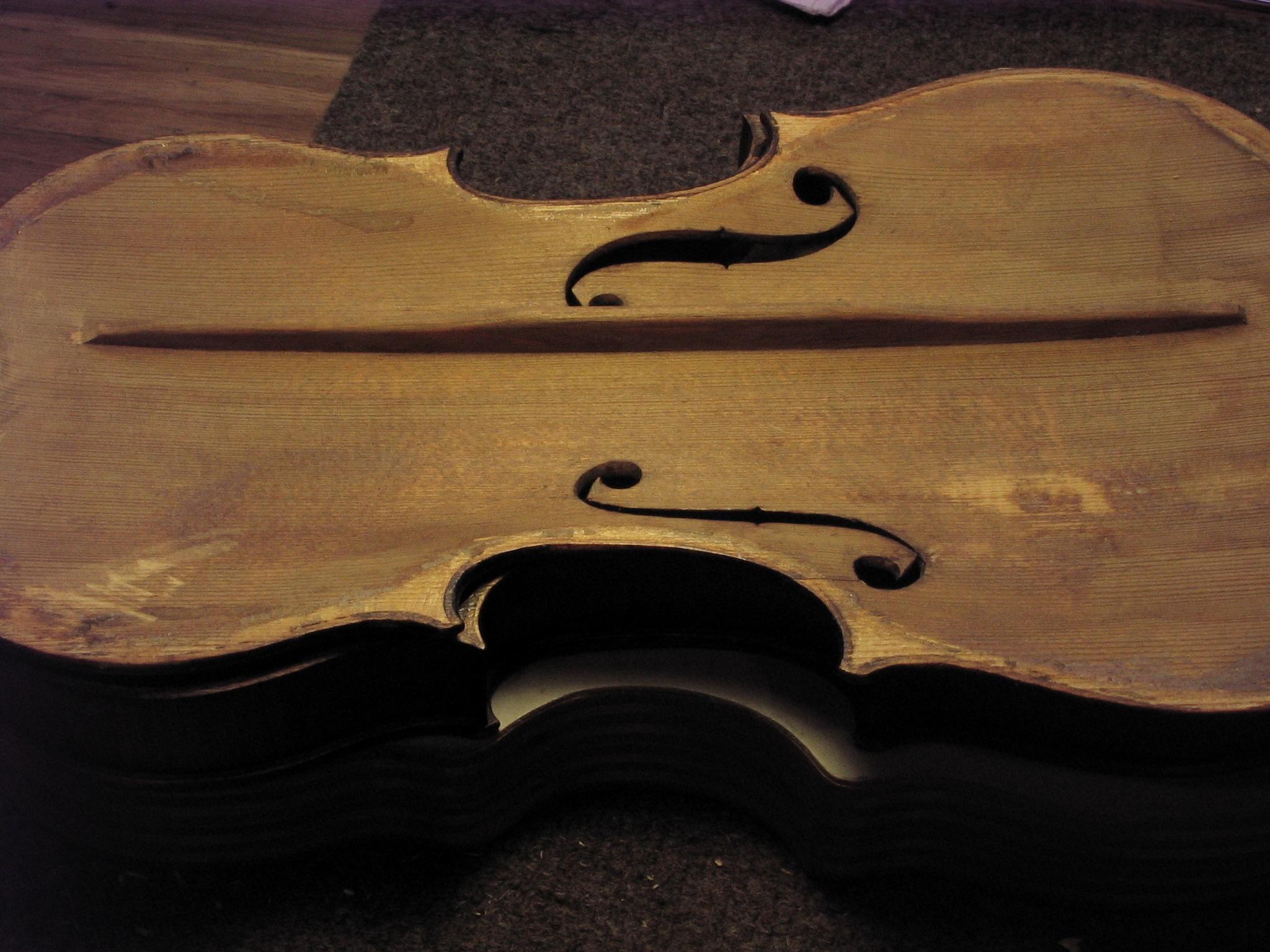 Glass Violin Wallpaper For Many Saxon Violins
